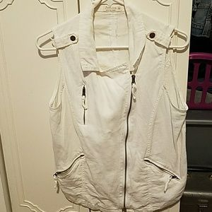 Just Living sz M white utility vest